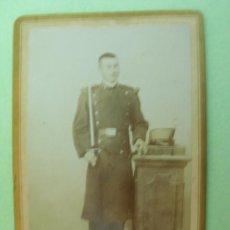 Militaria: CARTONÉ FOTOGRAFIA SOLDADO DE REGIMIENTO DE INFANTERÍA BURGOS Nº 36 AÑO APRO.1900 - CARTONÉ. Lote 18371890
