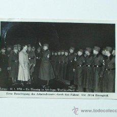 Militaria: POSTAL ORIGINAL DE EPOCA DE A. HITLER REUNIDO CON MIEMBROS DEL RAD. FECHADA EL 14.1.1934. Lote 26708699