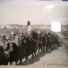 Militaria: FOTOGRAFIA AUTENTICA DE LA GUERRA CIVIL ,TROPAS ITALIANAS HACIA BARCELONA AÑO 1939. Lote 23594879