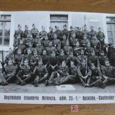 Militaria: FOTOGRAFIA DEL REGIMIENTO DE INFANTERIA DE VALENCIA - SANTANDER - AÑOS 20. Lote 25640593