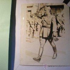 Militaria: FOTOGRAFIA ORIGINAL GUERRA CIL ESPAÑOLA - EL GENERAL FRANCO PASA REVISTA A LAS TROPAS - 20 -11-1936. Lote 37442286