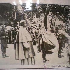Militaria: FOTOGRAFIA ORIGINAL GUERRA CIVIL ESPAÑOLA - NUEVOS OFICIALES REBELDES EN BILBAO- AÑO 1937. Lote 37441587