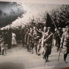 Militaria: FOTO ORIGINAL GUERRA CIVIL ESPAÑOLA - NACIONALISTAS AVANZAN EN EL NORTE - AÑO 1937. Lote 24091250