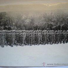 Militaria: FOTOGRAFIA ORIGINAL GUERRA CIVIL- SEVILLA , FUERZAS PARA AYUDAR A LOS REBELDES AÑO1938. Lote 24301727