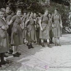 Militaria: FOTO ORIGINAL ALEMANA ,GRUPO DE BDM,JUVENTUDES HITLERIANAS FEMENINAS. Lote 22258968