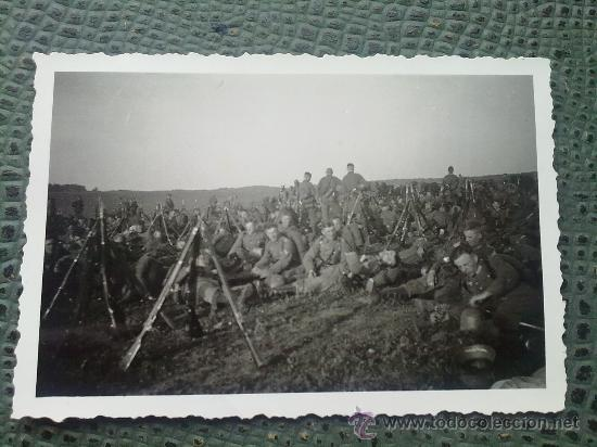 Militaria: FOTO ORIGINAL ALEMANA,TROPAS ALEMANAS DESCANSANDO - Foto 2 - 21463396