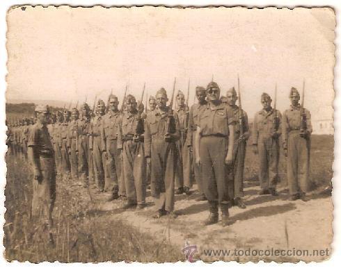 2211 -- LOTE DE 4 FOTOS DE MILITARES (FOTO ARBONA ,CALATAYUD Y CASA ROS) (Militar - Fotografía Militar - Otros)