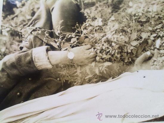 Militaria: 2 FOTOS ORIGINALES ALEMANAS ,FRANCoTIRADOR FRANCES ABATIDO ,IIWW - Foto 2 - 27062465