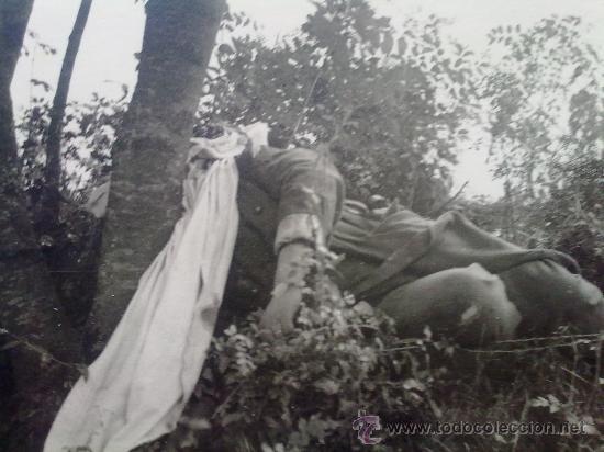 Militaria: 2 FOTOS ORIGINALES ALEMANAS ,FRANCoTIRADOR FRANCES ABATIDO ,IIWW - Foto 3 - 27062465