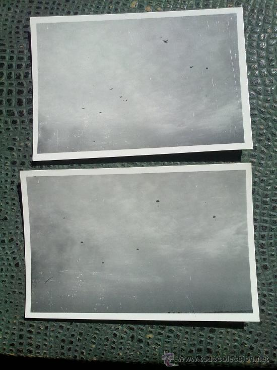 2 FOTOS ORIGINALES ALEMANAS ,LANZAMIENTO PARACAIDISTAS ALEMANES (Militar - Fotografía Militar - II Guerra Mundial)