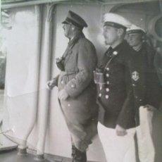 Militaria: FOTO ORIGINAL ADOLF HITLER CON MARINEROS DE LA KRIEGSMARINE. Lote 26538723