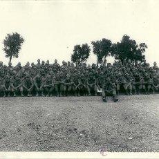 Militaria: 7202 - FOTOGRAFIA MILITAR - COMPAÑÍA DE SOLDADOS - MIDE 24 X 18 CM. Lote 25036681