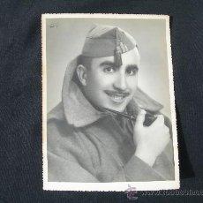 Militaria: FOTO MILITAR CON GORRILLO Y PIPA ( EL MISMO DE LA FOTO ANTERIOR PERO CON GORRILLO). Lote 25620360
