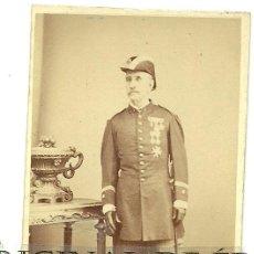 Militaria: (PE-6)FOTOGRAFIA ALBUMINA SIGLO XIX TENIENTE CORONEL CON MEDALLAS. Lote 25923062