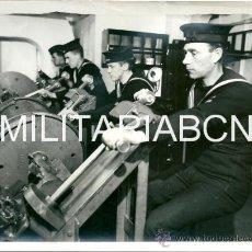 Militaria: REINO UNIDO. FOTOGRAFIA DE PRENSA ORIGINAL DE LA 2ª GUERRA MUNDIAL. DESTROYER MEN OF BRITAIN´S NAVY . Lote 26661535