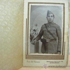 Militaria: FOTO DE SOLDADO CON PISTOLA. ZARAGOZA . DESCONOZCO LA UNIDAD. Lote 26990704