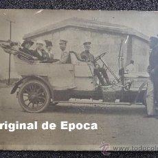 Militaria: (JX-578)FOTOGRAFIA DE OFICIALES EN COCHE EPOCA ALFONSINA. Lote 27772116