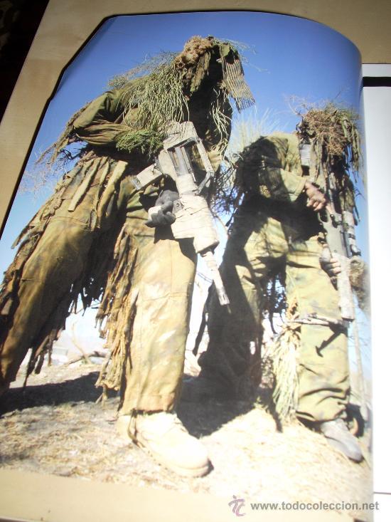 FOTOGRAFÍA ARTÍSTICA. CAMUFLAJE. PÁGINA DE PRENSA, ENMARCABLE. (Militar - Fotografía Militar - Otros)