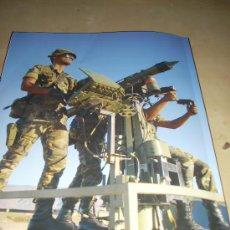 Militaria: FOTOGRAFÍA ARTÍSTICA. MISIL SUPERFICIE-AIRE MISTRAL. PÁGINA DE PRENSA, ENMARCABLE.. Lote 27895387