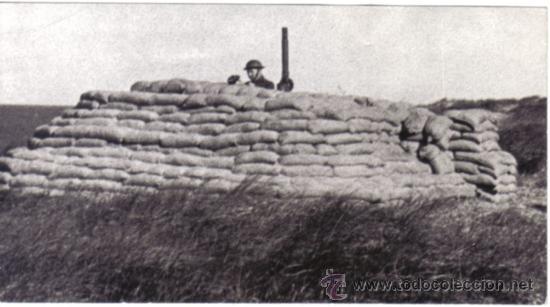 FOTOGRAFIA DE LA II GUERRA MUNDIAL - CAÑON ANTIAEREO EN LAS COSTAS DE INGLATERRA (Militar - Fotografía Militar - II Guerra Mundial)