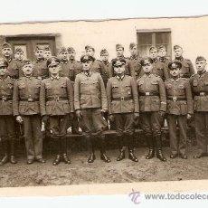 Militaria: FOTOGRAFÍA DE GRUPO DE SOLDADOS Y OFICIALES ALEMANES . Lote 29305608