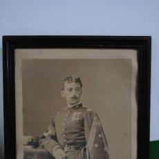 Militaria: 1860-1881.- GRAN RETRATO DE CAPITAN DE CAZADORES. INFANTERIA. EPOCA DE ALFONSO XII. 65X55CM. Lote 29338367