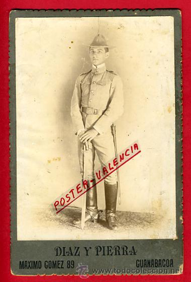 FOTO MILITAR, ALBUMINA , CON SABLE 1916 , FOTOGRAFO DIAZ Y PIERRA CUBA , ORIGINAL, B38 (Militar - Fotografía Militar - Otros)