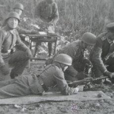 Militaria: FOTO ORIGINAL PARACAIDISTAS ALEMANES CON OFICIAL IIWW. Lote 30164367