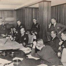 Militaria: JAMES V. FORRESTAL Y KENMORE M. MCMANES ENTRE OTROS - FOTO II GUERRA MUNDIAL. Lote 30365555