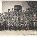 Militaria: MOMENTO DE LA PRESENTACIÓN OFICIAL DEL CORONEL ULLOA ANTE LA AGRUP. DE INTEND. 2 DE SEVILLA. 1948. Lote 30548002