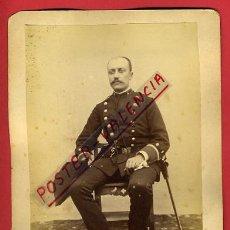 Militaria: FOTOGRAFIA MILITAR, GUARDIA CIVIL CON SABLE, ,FOTO ALBUMINA, ORIGINAL, P10. Lote 31225165