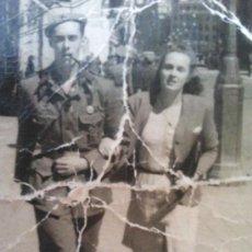 Militaria: FOTO ORIGINAL ,SOLDADO NACIONAL CON NOVIA. Lote 31367508