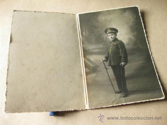 Militaria: FOTOGRAFIA TAMAÑO POSTAL DE UN NOÑO CON EL UNIFORME DE TENIENTE CORONEL DE INFANTERIA - Foto 2 - 31571652