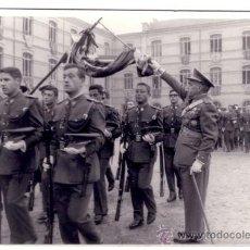 Militaria: FOTOGRAFIA MILITAR, JURA DE BANDERA ACADEMIA GENERAL MILITAR. Lote 31622329