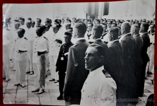 FOTO INEDITA DE ALUMNOS DEL BUQUE ESCUELA GALATEA EN PLENA GUERRA CIVIL-INSTRUCTORES LEGION CONDOR (Militar - Fotografía Militar - Guerra Civil Española)