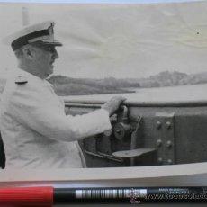 Militaria: FOTO DE FRANCO COMO ALMIRANTE DE LA ARMADA CON UNIFORME BLANCO. VER MÁS FOTOS.. Lote 31735499
