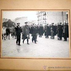 Militaria: FOTOGRAFIA HISTORICA DEL CONDE CIANO- MINISTRO DE EXTERIORES ITALIANO- PASANDO REVISTA,GUARDIA CIVIL. Lote 32034236