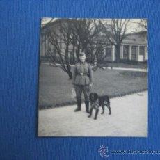Militaria: FOTO ORIGINAL ALEMANIA SOLDADO CON PERRO WW2 III REICH. Lote 32177305