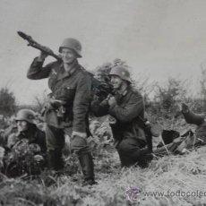 Militaria: AL ATAQUE!! BONITA FOTOGRAFIA ORIGINAL SEGUNDA GUERRA MUNDIAL MG34. Lote 32505722