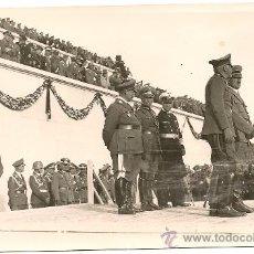 Militaria: FOTOGRAFÍA FORMATO POSTAL DE HITLER CON VON BLOMBERG Y GÖRING.¡¡¡ORIGINAL!!!. Lote 33001905