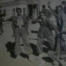 Militaria: FOTOGRAFÍA LEGIONARIOS. 1947. Lote 33383714
