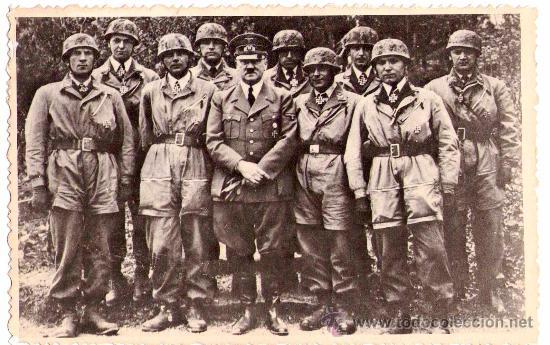 II GUERRA MUNDIAL,FOTO ORIGINAL ADOLF HITLER Y PARACAIDISTAS,ARCHIVO RUSO.III REICH,CRUZ DE HIERRO (Militar - Fotografía Militar - II Guerra Mundial)