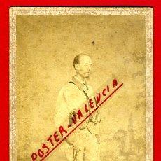 Militaria: FOTOGRAFIA MILITAR, FOTO ALBUMINA TARJETA VISITA, CON SABLE , MATANZAS , CUBA , F109. Lote 34198018