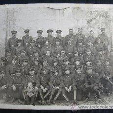 Militaria: FOTOGRAFIA GRUPO MILITAR // MIDE 18 X 13 CMS.. Lote 34293182