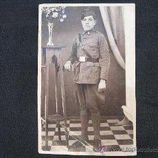 Militaria: FOTOGRAFIA SOLDADO AÑOS 30 // MIDE 8,5 X 13 CMS.. Lote 34293270