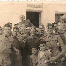 Militaria: OFICIAL Y SOLDADOS ESPAÑOLES EN MELILLA EN LOS AÑOS 40.. Lote 34846233