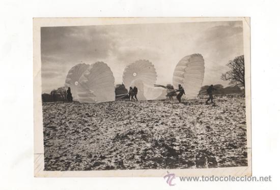 FOTOGRAFÍA ORIGINAL. PARACAIDISTAS DE LA R.A.F. ROYAL AIR FORCE BRITÁNICA. SEGUNDA GUERRA MUNDIAL. (Militar - Fotografía Militar - II Guerra Mundial)