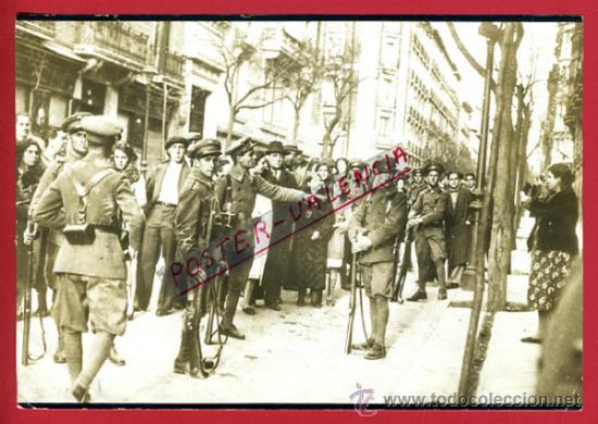 FOTO FOTOGRAFIA, REPUBLICA , MADRID REPARTO DE PAN , 27-5-1934 ,ORIGINAL, F502 (Militar - Fotografía Militar - Otros)