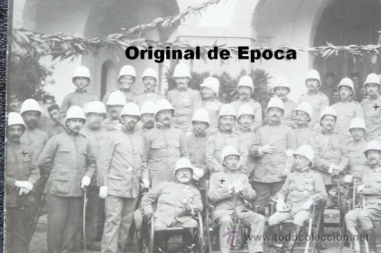 Militaria: (JX-663)FOTOGRAFIA DE GRUPO DE JEFES Y OFICIALES CON SALACOF,CAMPAÑA DE AFRICA - Foto 2 - 35611373