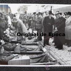 Militaria: (JX-694)FOTOGRAFIA DE BRANGULI DEL INTERCAMBIO DE PRISIONEROS REALIZADO EN BARCELONA 27-12-1943. Lote 35644597